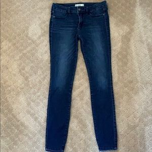 Abercrombie & Fitch Skinny Jeans (Size 2)